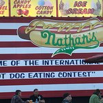 Nathan's Famous Foto