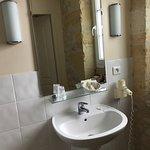 Salle de bain d une chambre standard
