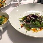 Plat (Menu déjeuner à 28€) : poisson du jour,bouillon au miso,maki Alsacien