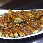 Баклажаны, обжаренные с кусочками свини- ны под соусом из соевых бобов