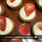 strawberry cheescecake cupcakes