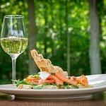 Wafel met gerookte zalm en een glaasje witte wijn @ Restaurant WEI