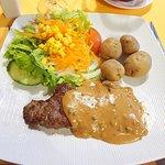 steak with peppercorn sauce & Canarian potatoes
