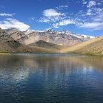 Laguna de los Patos y de fondo Cerro Marmolejo.