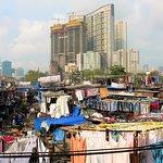Na maior lavandaria a céu aberto do mundo, em Mumbai.