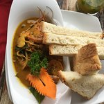 Prawn Curry and Bread