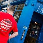 Famous folk music bars feature on Edinburgh Music Tours.