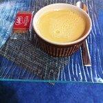 Crème caramel au beurre salée. Décoration trop expédiée. Mais la crème est bonne.