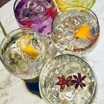 Gin & Tonics Serves