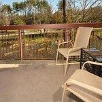 Cedar Lodge Vacation Condo Rental, Downtown Pigeon Forge, Unit 101, 3 Bedroom 3 Bath