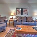 Cedar Lodge Vacation Condo Rental, Unit 102, 2 Bedroom 2 Bath