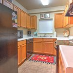 Cedar Lodge Vacation Condo Rental, Downtown Pigeon Forge, Unit 102, 2 Bedroom 2 Bath