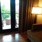 balcony (deluxe room)