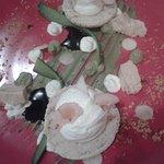dessert macaron vanille et concombre