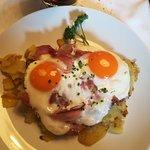 Uova, patate e speck.