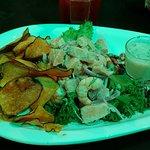Ceviche de salmão com camarão.