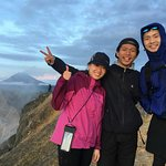 Hendra Ginting go with the client from Singapore for sunrise tour