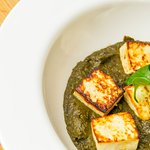 PALAK PANEER. SPINACH CURRY WITH COTTAGE CHEESE AND CHAPATI