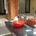 Baño con tina, muy cómodo y amplio