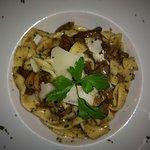 Pasta fresca con boletus-Fettucine ai funghi porcini
