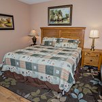 Bear Crossing Vacation Condo Rental, Downtown Pigeon Forge, Unit 202, 2 Bedroom 2 Bath