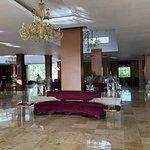 Sam Hotel ok- obsluga, szczegolnie recepcja- dramat!