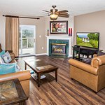Whispering Pines Vacation Condo Rental, Downtown Pigeon Forge, 541, Mountain View 3 Bed 3 Bath