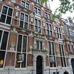 """Museum """"Ambassade Van De Vrije Geest""""in """"Huis met de Hoofden"""""""