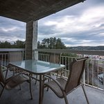Whispering Pines Vacation Condo Rental, Downtown Pigeon Forge, 224, City View 3 Bed 2 Bath