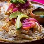 Cada bocado lleno de sabor y tradición de la región de Yucatán.