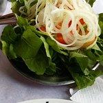 Salada agriao, rucula e cebola