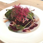 Beet salad with eel and apaki