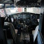 Cockpit of Boeing 737-200