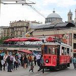 Конечная трамвайчика на площади Таксим