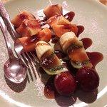 spiedini di frutta con caramello