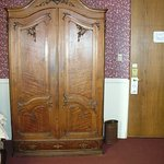 classic room wardrobe/tv