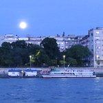luna desde el río