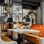 Интерьер ресторана направлен на комфорт гостя в долгосрочной перспективе