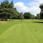 18 hole par 3 golf course