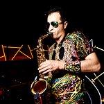 Live saxophone? Easy!