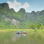 Boat Trip In Trang An Eco-Complex