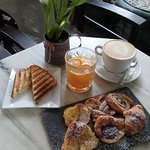 Full Breakfast menu to start your day. Mini sweet pastries, toast, orange juice and coffee.