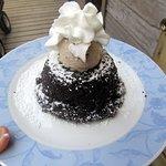 Flour less chocolate cake with banana ice cream