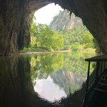 Vue depuis la grotte de Puong