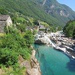 Fluss / River  - Valle Verzasca