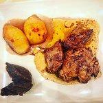 Escalope de Foie Gras con pesche caramellate e marmellata di fichi settembrini