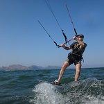 Kitesurf-Unterricht Mallorca üben in Kitespot Pollensa - Wind in Pollensa im Juni