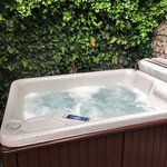 Eden Suite - hot tub!