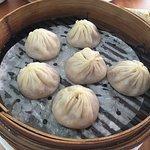 Six pieces of juicy pork dumplings