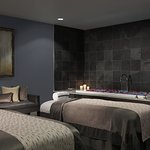 Share the experience of a massage with a loved one or friend in one of the Spa's beautiful suite
